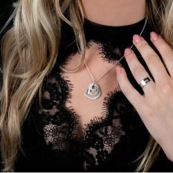 NameNecklace 3 Hearts